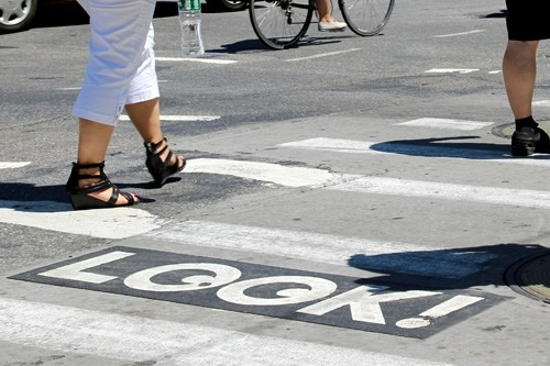 look-pavement-marking